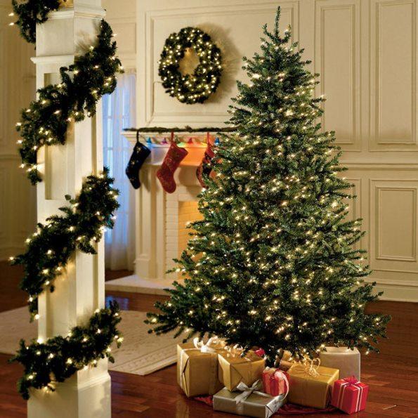 Luci Albero Natale.Vuoi Un Albero Di Natale Perfetto Il Trucco E Tutto Nelle
