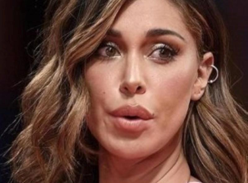 Starved Acquisizione Rasoio  Belen Rodriguez fatta fuori da Guess: al suo posto Jennifer Lopez |  Caffeina Magazine