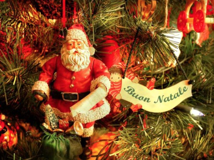 Immagini Di Natale Da Mettere Come Sfondo.Auguri Di Natale Whatsapp Una Lista Infinita Di Frasi E