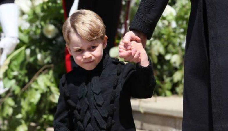 """c06501291e """"Come un piccolo gentiluomo"""". Baby George, che bel gesto al royal wedding!  Si scopre solo ora"""