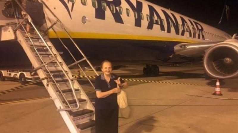 Nonna Rosa idolo dei social. Vola a 89 anni per la prima vol
