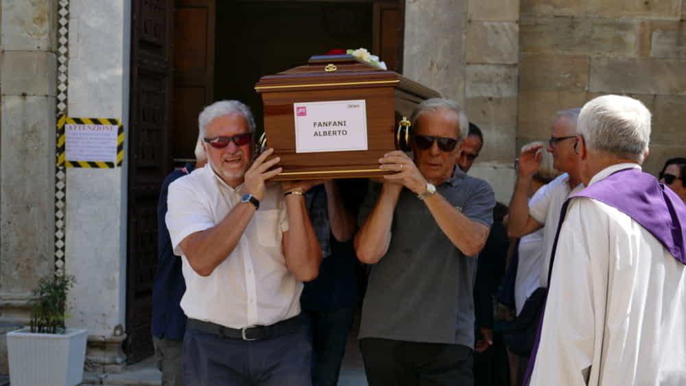 """Ponte Morandi, funerali privati per Alberto e Marta: """"Oggi è"""