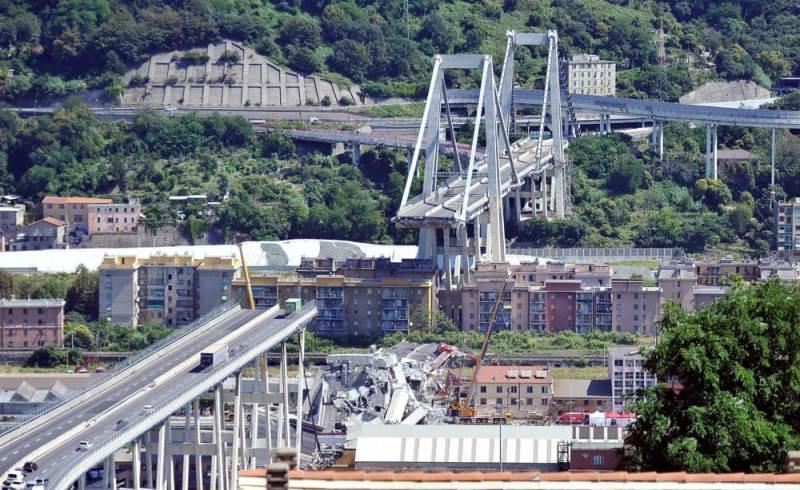 """""""Ecco cosa faremo"""". Crollo ponte Morandi, parla Autostrade."""