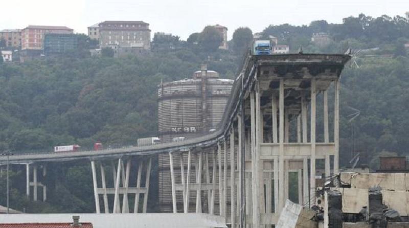 """""""Quel ponte crollerà fra 10 anni"""". Genova, la drammatica pro"""
