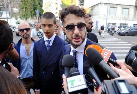 """""""Ho fatto casini immani"""". Fabrizio Corona show in tribunale"""