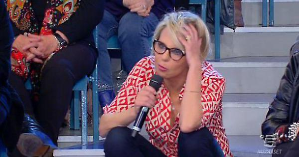 """Maria De Filippi incredula!"". Rivelazioni scottanti a Uomin"