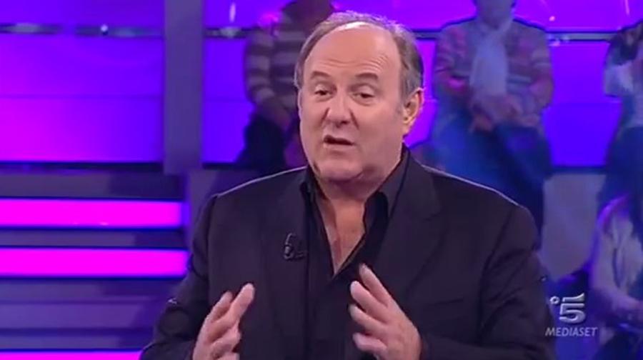 Disastro in diretta tv a Caduta Libera  Gerry Scotti imbarazzatissimo