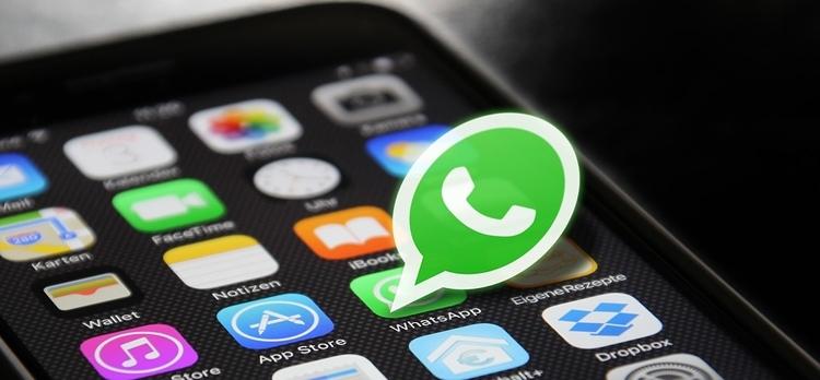 WhatsApp, ecco come entrare in chat da invisibili