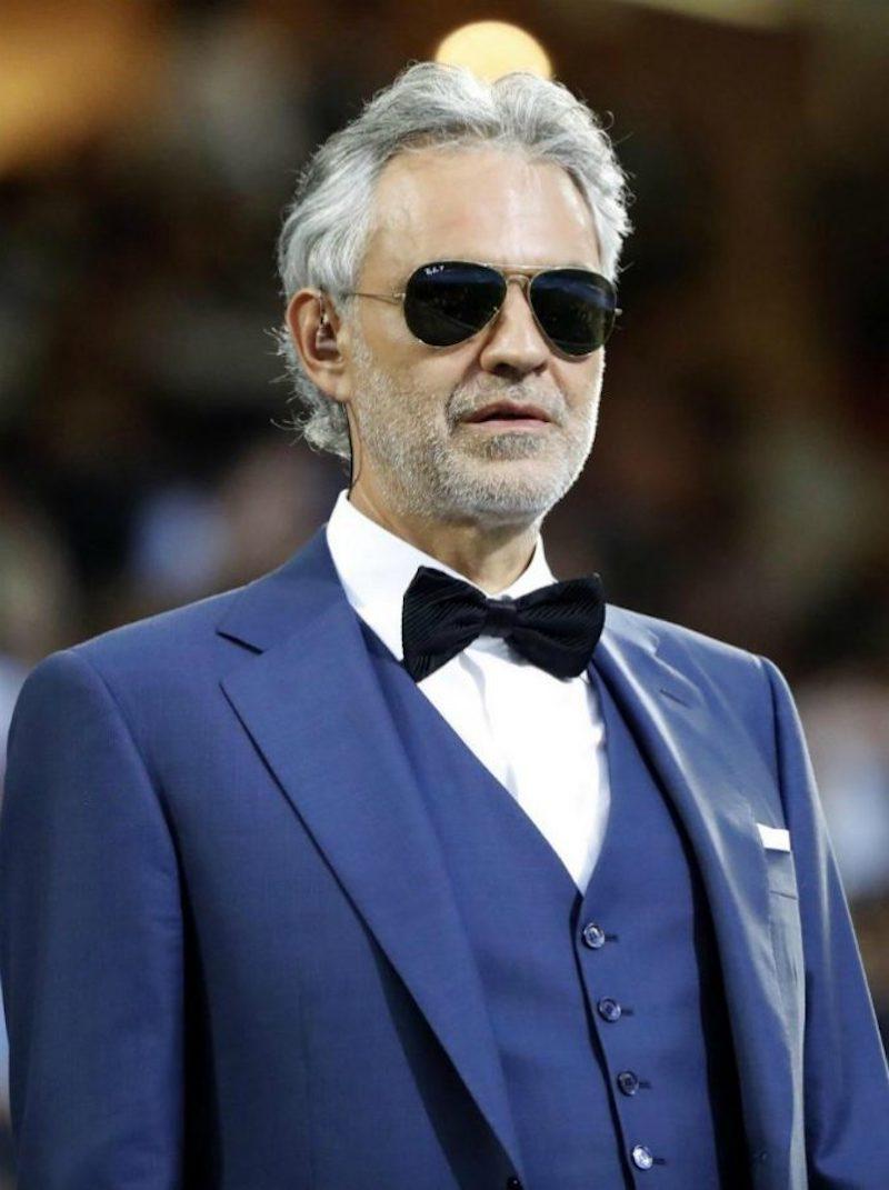 """Andrea Bocelli, paura in volo per il tenore: """"Sono sconvolto"""