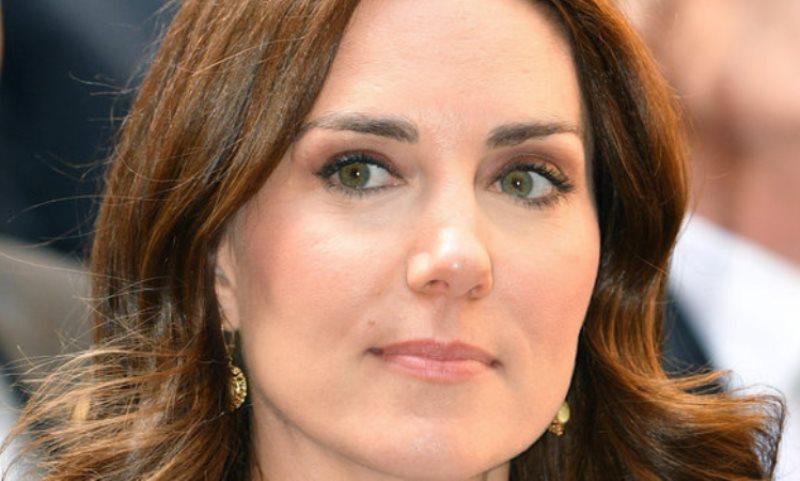 Kate Middleton sempre più magra e provata. Ma alla festa di