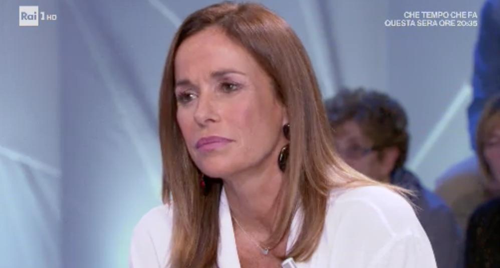 """""""Ho perso mio figlio"""". Cristina Parodi in lacrime. Momento d"""