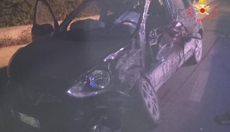 Incidente nella notte a Cropani: morti due ragazzi di 24 e 31 anni. Grave una ragazza