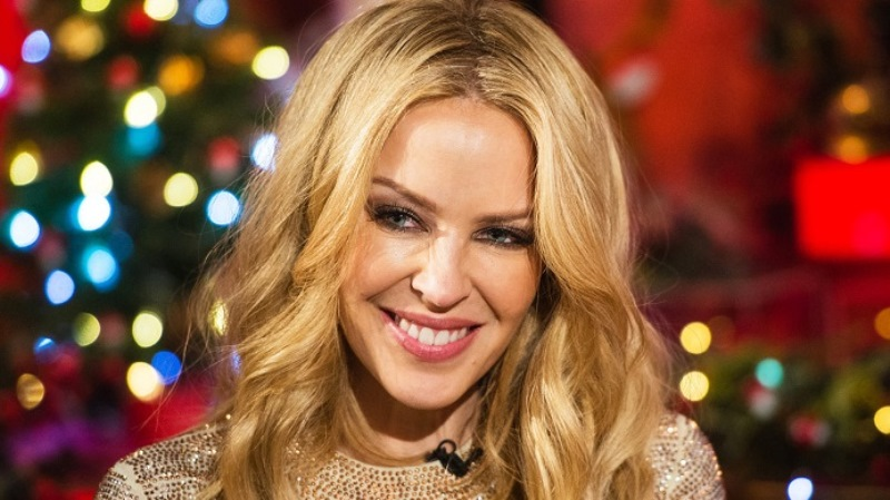Kylie Minogue, 50 anni e non sentirli (e vederli): ha strega