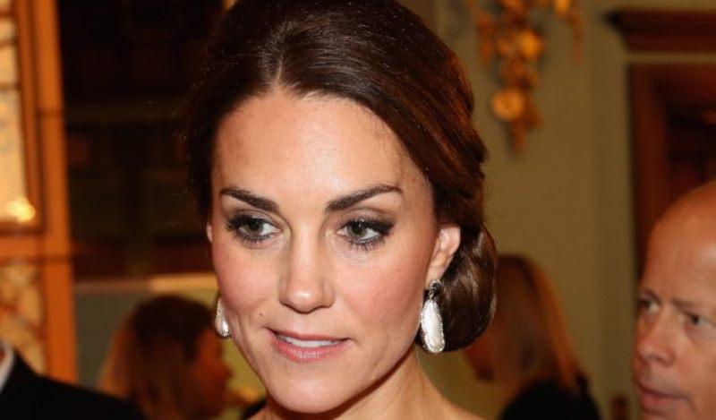 """Kate Middleton malata? """"Il giallo delle mani martoriate"""": fo"""