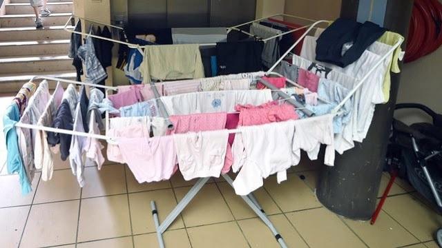 Come far asciugare i panni in casa (in inverno) senza farli