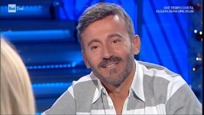 """Max Biaggi su Bianca Atzei: """"Ho levato il superfluo"""". E lei"""