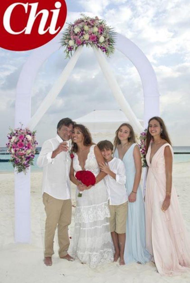 Benedetta Parodi e Fabio Caressa |  nozze alle Maldive |  le foto della cerimonia privata