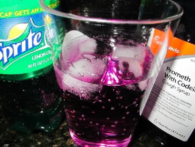 Allarme 'Purple Drank': la droga che si fa con la Sprite impazza tra i ...