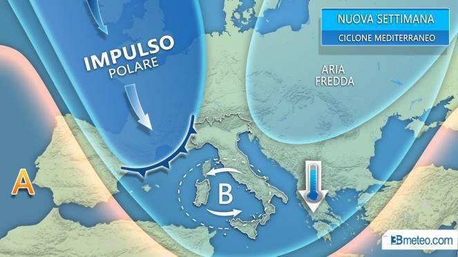 """Meteo, """"Medicane"""" punta sull'Italia: neve e tempeste in arri"""