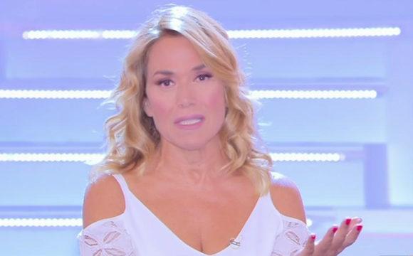 """""""Rimpiazzata"""". Chiude 'Live – Non è la D'Urso', Barbara rest"""
