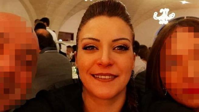 Mamma Annalisa muore a 35 anni sotto i ferri, medici sotto a