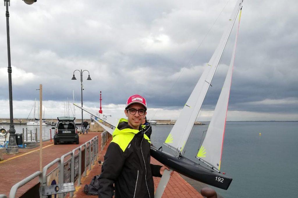 Tragedia in mare, Biagio annega sotto gli occhi del padre: a