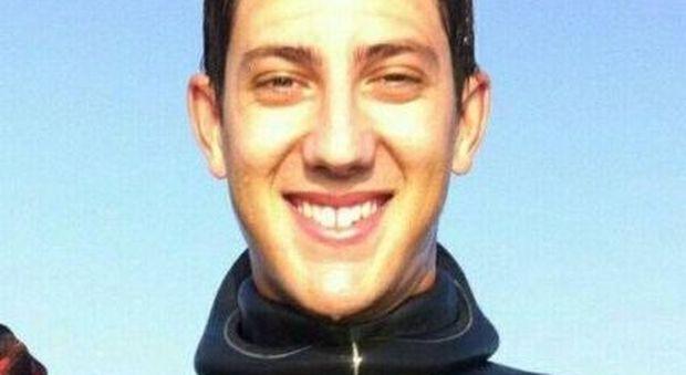 """""""Speranze finite"""". ll mare restituisce il corpo di Lorenzo:"""