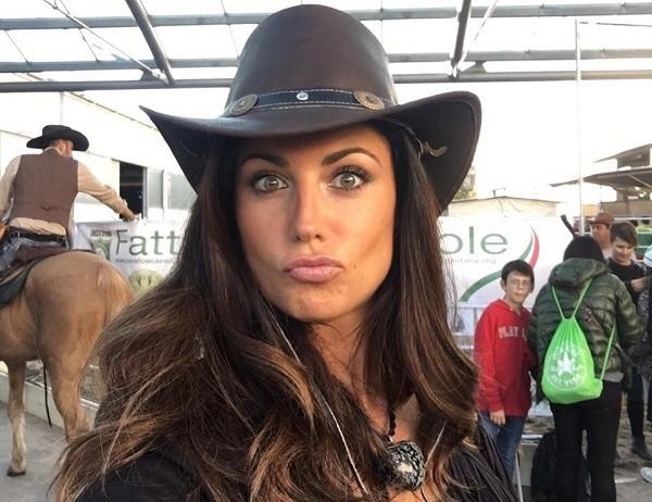 """""""Schianto"""". Daniela Ferolla, la ex Miss Italia in formissima"""