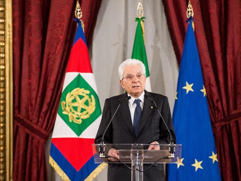"""Crisi, Sergio Mattarella: """"Un governo con fiducia in Parlame"""