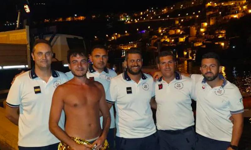 Si addormenta sul materassino in Calabria, 28enne ritrovato in Sicilia