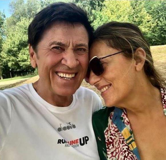 Gianni Morandi, 25 anni fa l'incontro con la moglie Anna: il