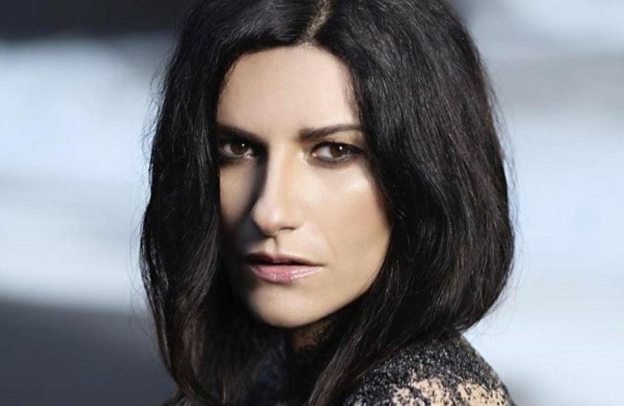 Laura Pausini sempre più magra: l'ultimo scatto lascia i fan