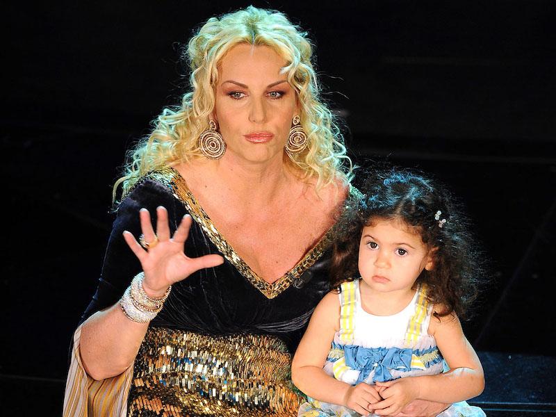 """""""Melle? Una donnina!"""". Dimenticate questa bimba, la figlia di Antonella ..."""