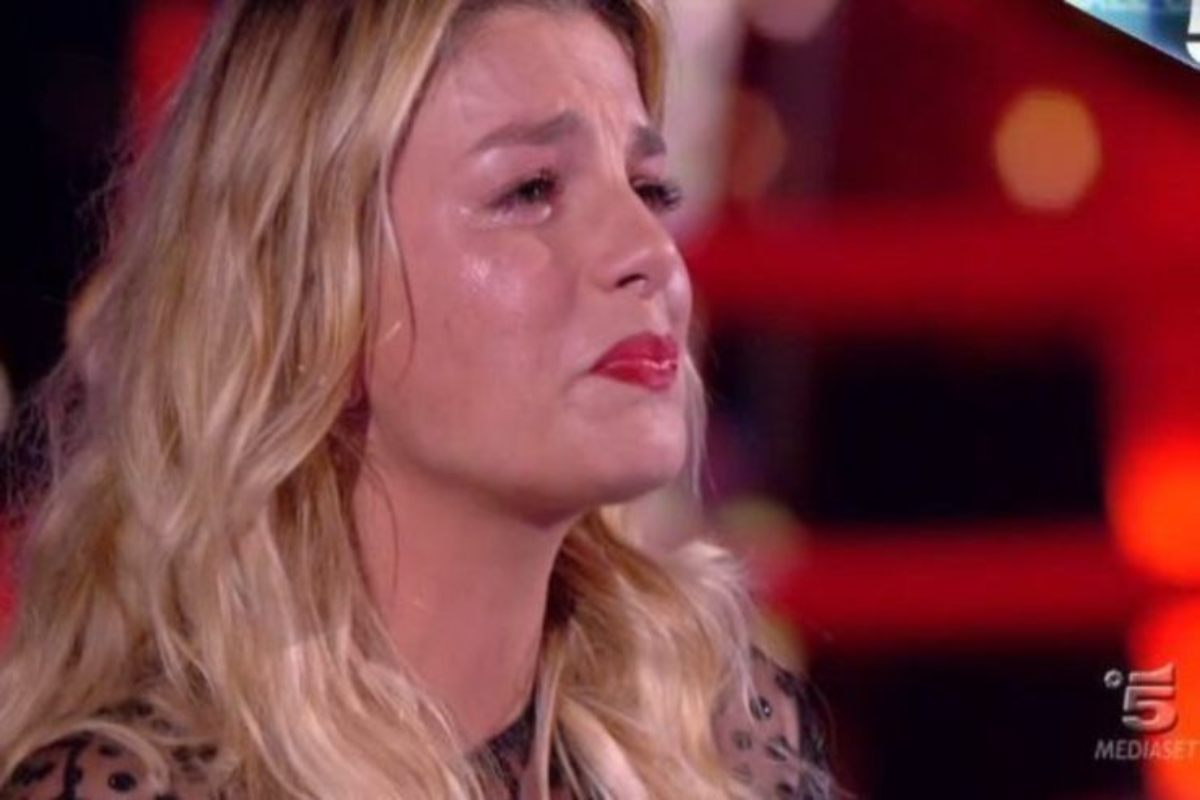 """Continua ad esserci!"". Emma Marrone, la dedica per lei è do"
