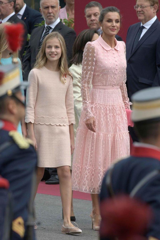 Letizia Ortiz, che stile la regina di Spagna. Ma sapete quan