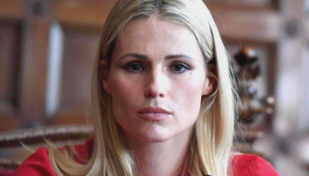 Amici Celebrities, Michelle Hunziker in crisi: Maria De Fili