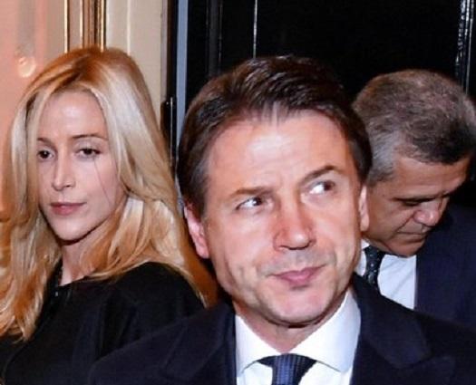 Giuseppe Conte Prima Uscita Pubblica Con La Compagna Olivia Paladino