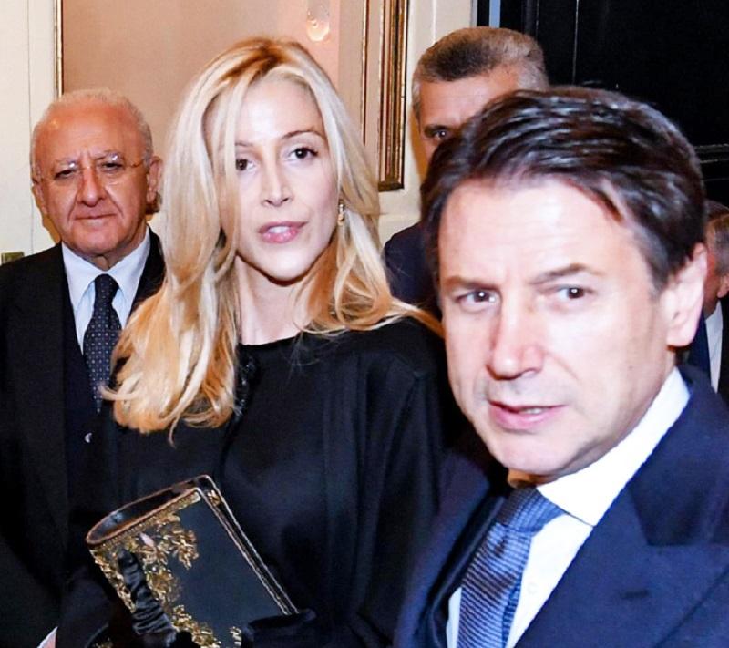 Giuseppe Conte, prima uscita pubblica con la compagna Olivia