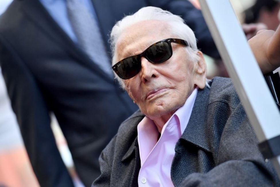 103 anni! È il più longevo premio Oscar vivente e gli auguri