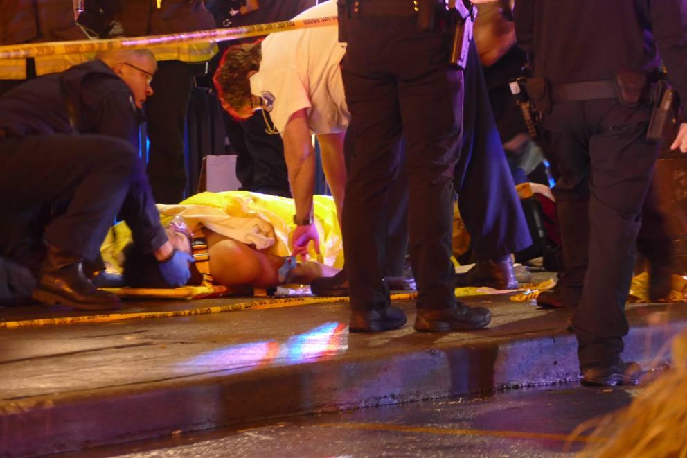 Sparatoria di fronte al McDonald's: 1 morto e 5 feriti. Grav