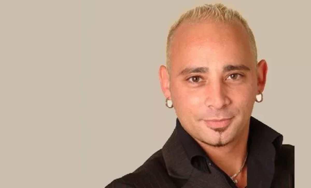 Paola Barale a gamba tesa su Alfonso Signorini: l'attacco al