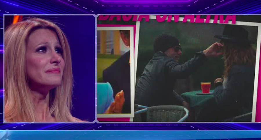 Adriana Volpe tradita dal marito  Il GF Vip mostra le prove |  la confessione di Alfonso