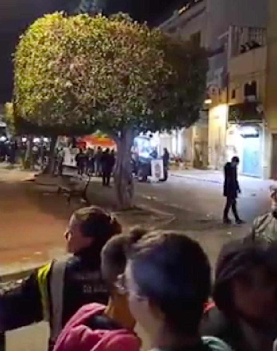 Bimbo di 4 anni cade dal carro di Carnevale e muore: tragedi
