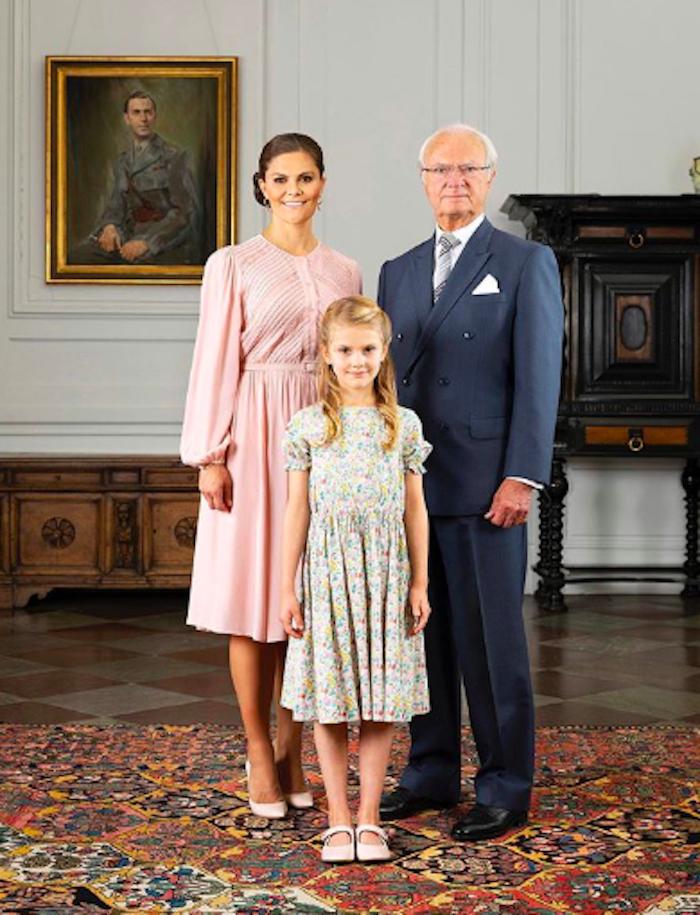 Il trono della Svezia è rosa. L'erede Estelle è cresciuta: e
