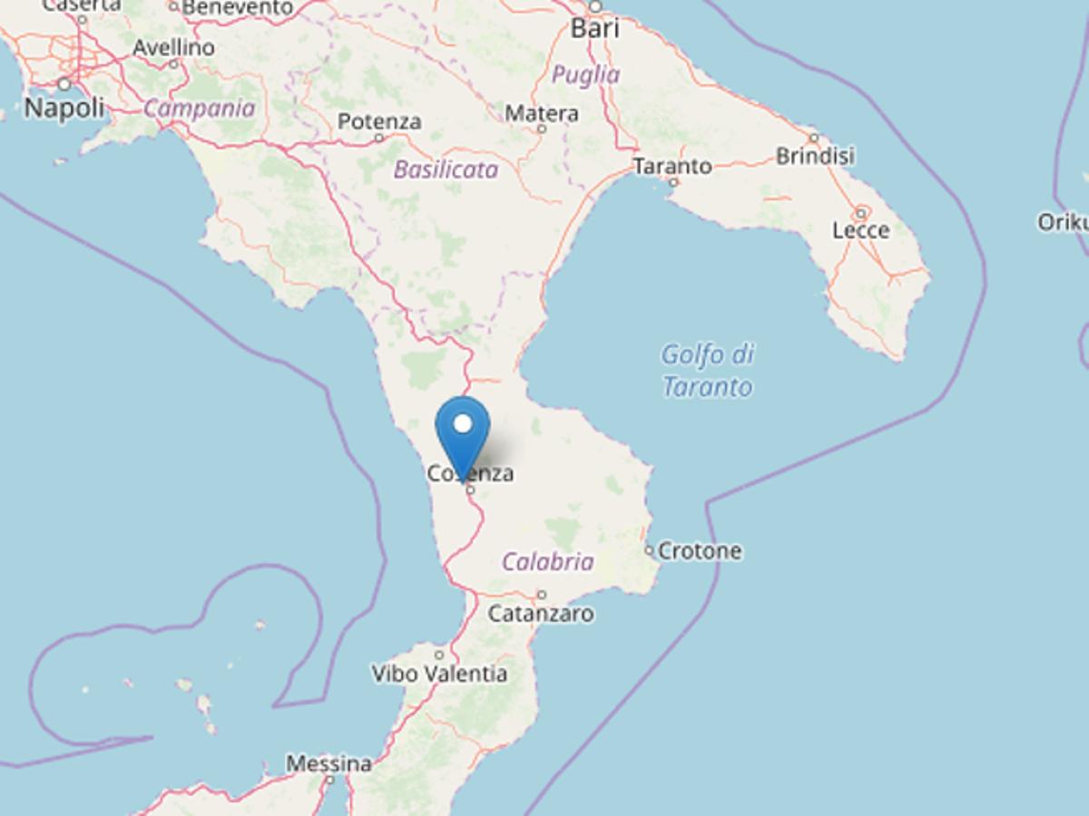 Terremoto in Italia, paura e gente in strada. La situazione