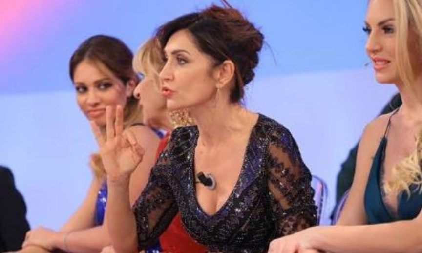 Uomini e Donne, Barbara De Santi smascherata da Gianni Spert