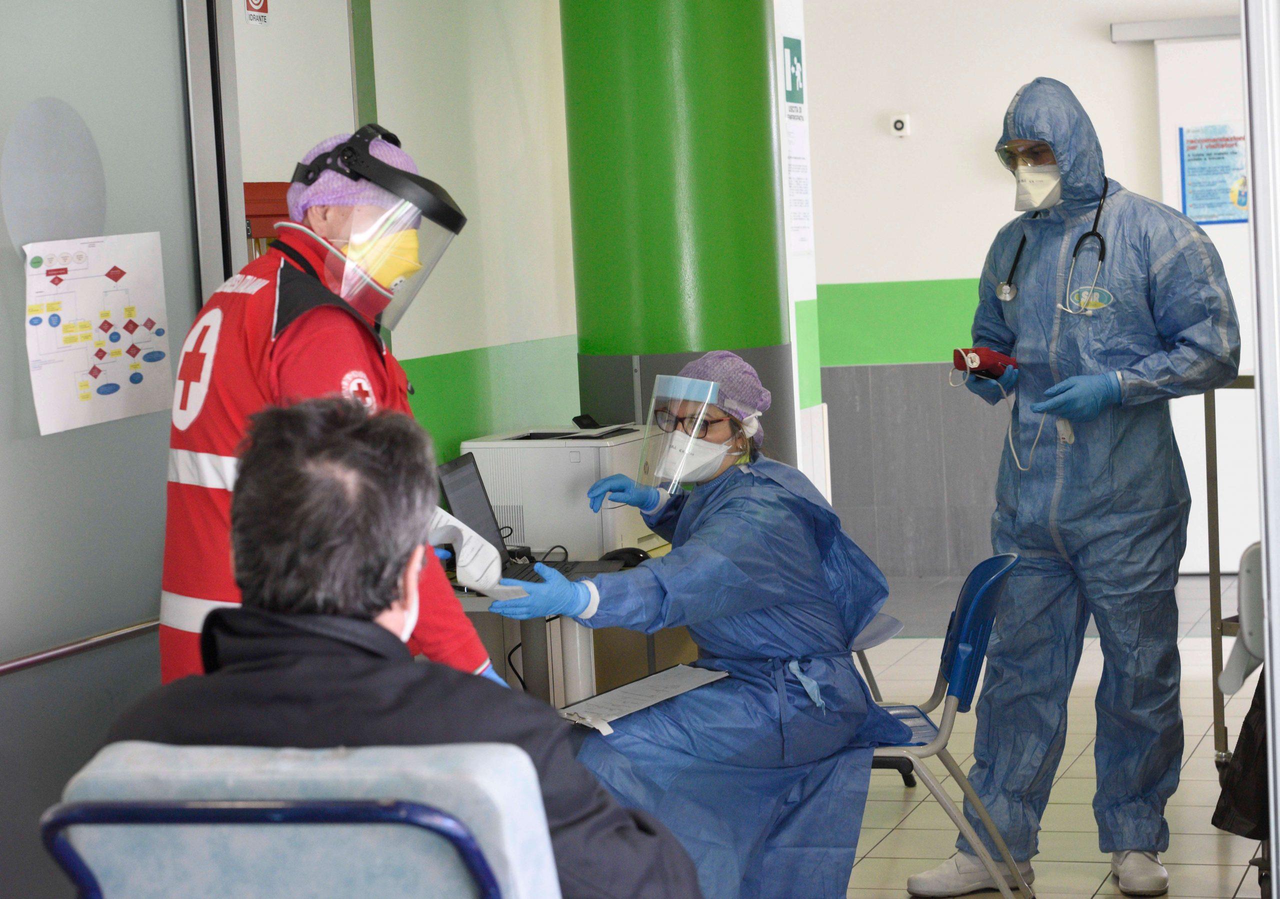 """Coronavirus, l'accusa dei medici: """"Questo disastro è stato p"""