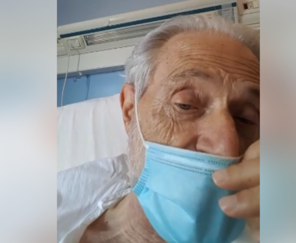Amedeo Minghi in ospedale: si mostra così preoccupando tutti