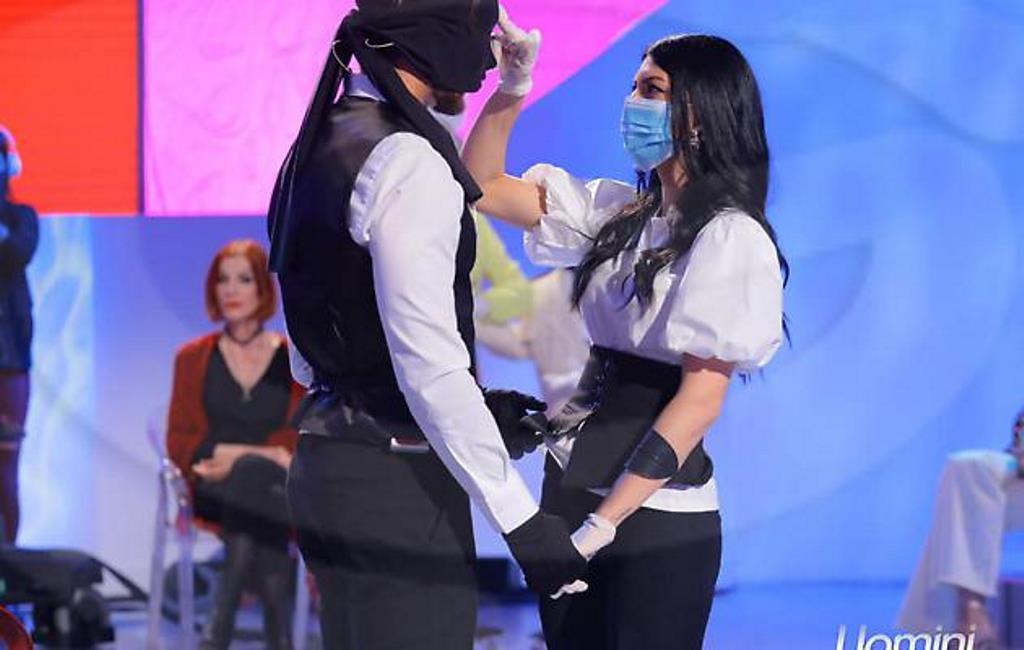 """L'Alchimista, finalmente giù la maschera a UeD: """"Ve l'avevo"""