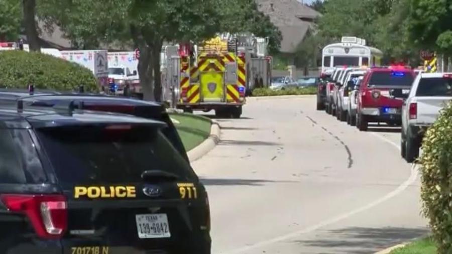 Strage familiare: 4 bambini e i genitori trovati morti nell'